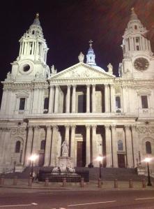 st. paul's cathedral, naboen til mit hostel